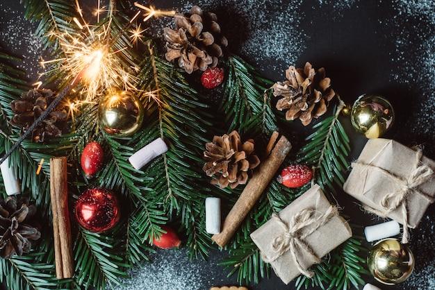Вид сверху новогоднего украшения