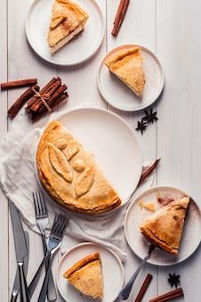 Вид сверху концепции вкусного пирога