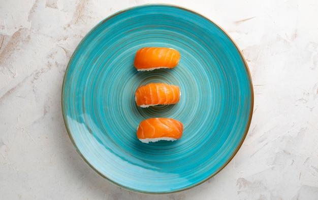 コピースペース付きのおいしい寿司のトップビュー