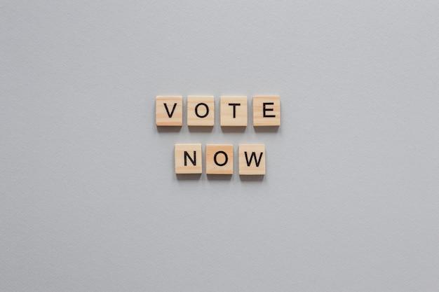 Вид сверху концепции выборов с копией пространства