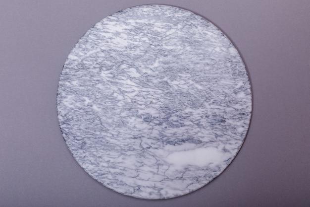 白いマーブル石テーブル背景の空のトップのトップビュー