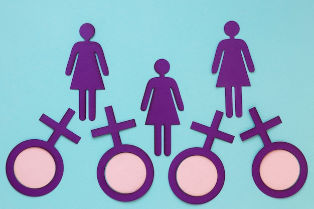 女性の日のための紙の女性と女性のシンボルの上面図