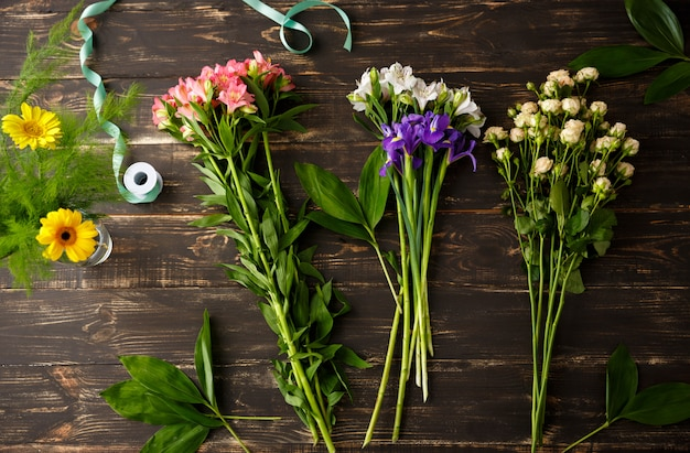 꽃다발을 만드는 꽃의 상위 뷰
