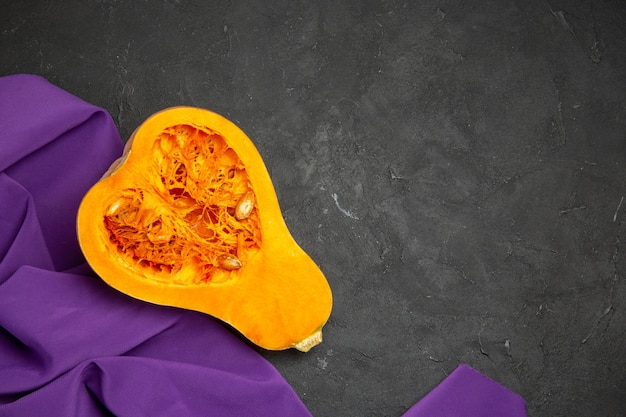 新鮮なカボチャスライスフルーツ熟した食品の上面図