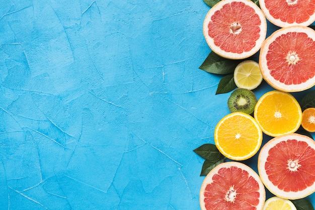 Вид сверху концепции фруктов с копией пространства