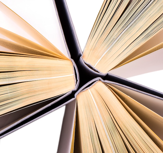 Вид сверху в твердом переплете книг по кругу