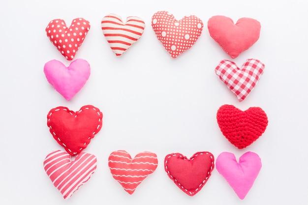 Вид сверху рамки сердца с копией пространства
