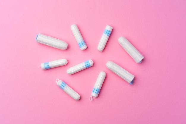 ピンクの衛生的なタンポンの上面図
