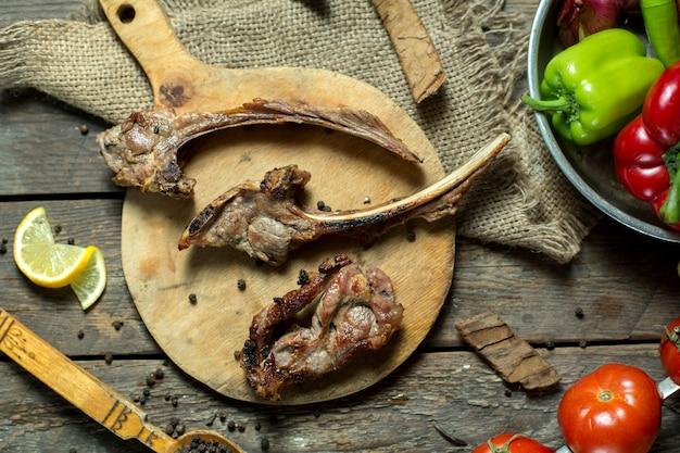 양고기 갈비 케밥의 상위 뷰