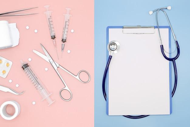 Вид сверху лекарств и медицинских инструментов