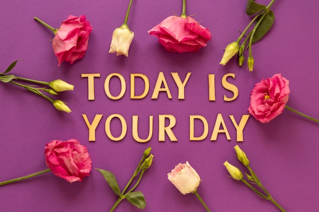 花と女性の日のメッセージの上面図