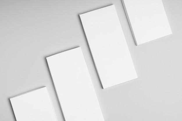 複数の空白のチョコレートバーパッケージの上面図
