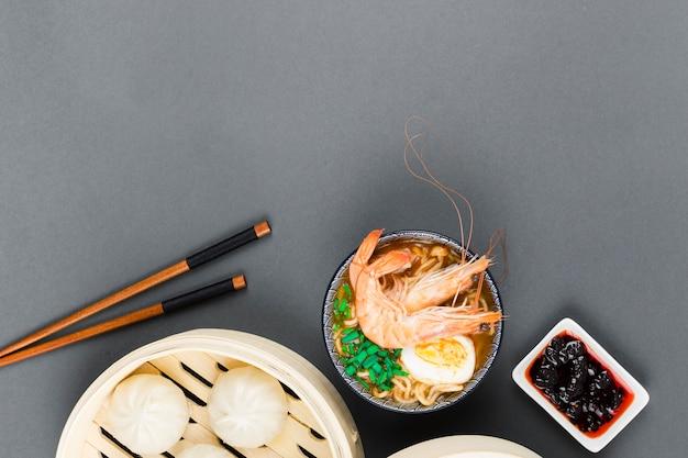 ラーメン丼と点心の平面図