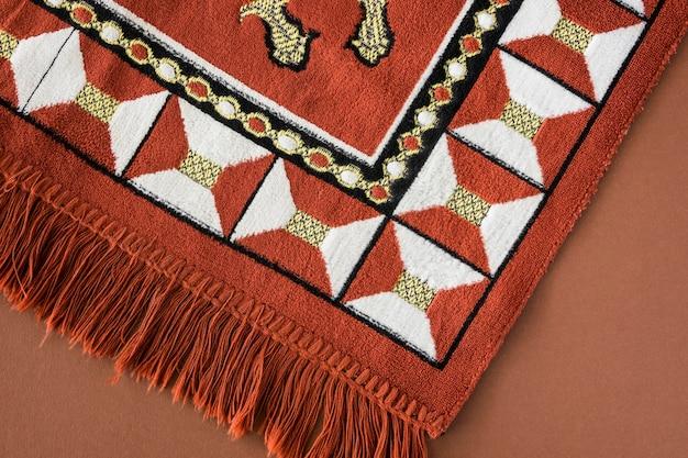 Вид сверху религиозного текстиля
