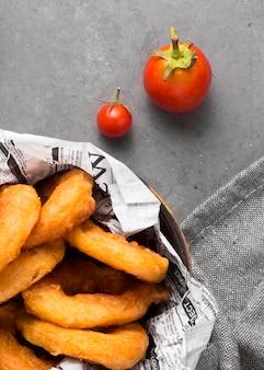 トマトとリングフライの上面図