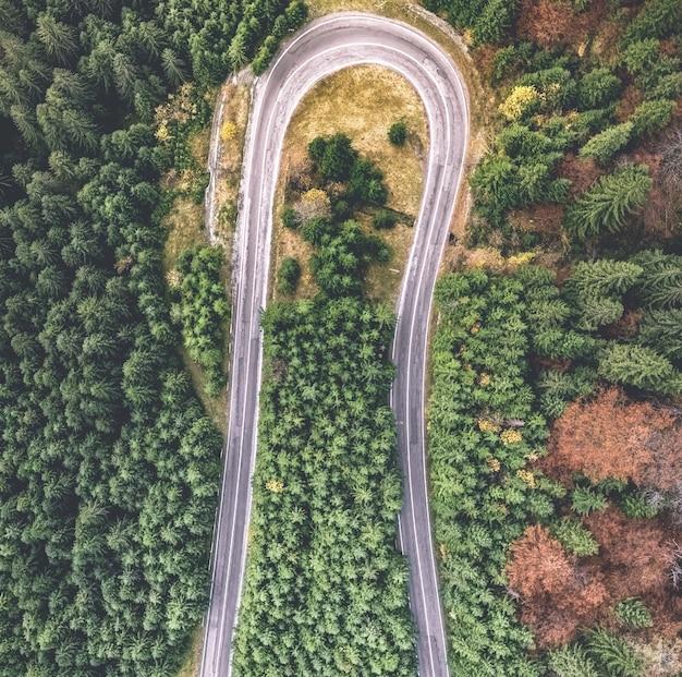道路の曲がり角の上面図