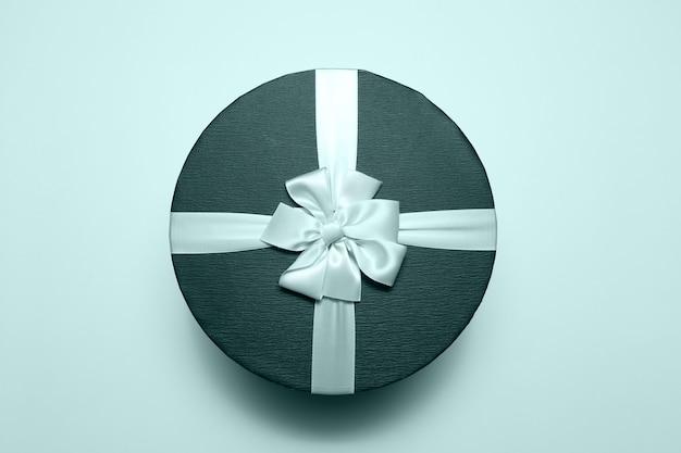 둥근 선물 상자의 최고 볼 수 있습니다.