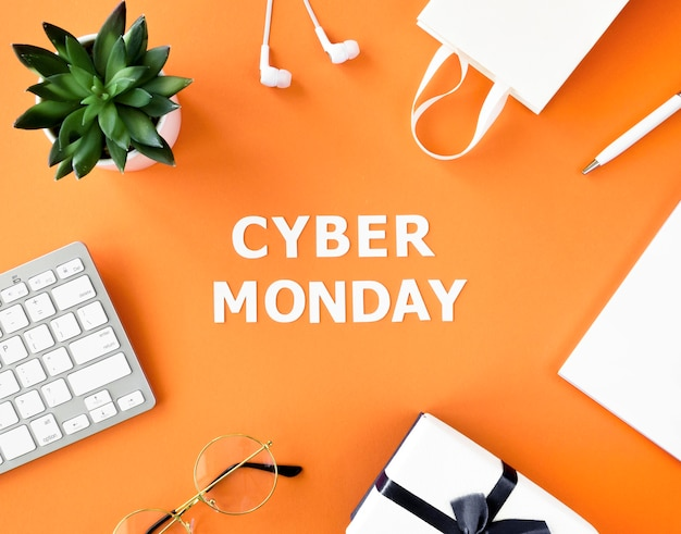 ギフトとサイバー月曜日のキーボード付きのショッピングバッグのトップビュー