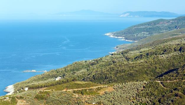 Mylopotamos 해변, 그리스 근처에게 해 해안선의 상위 뷰