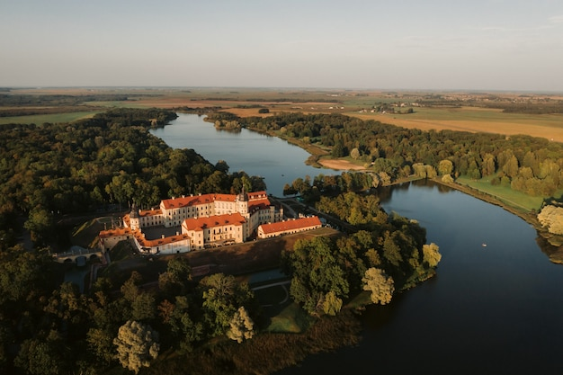 Nesvizh, 민스크 지역, 벨로루시에서 중세 성곽의 상위 뷰. nesvizh 성.
