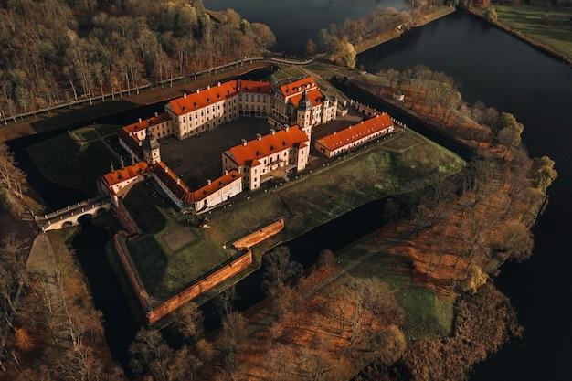 ベラルーシ、ミンスク地方、ネスヴィシの中世の城の平面図。ネスヴィシ城。