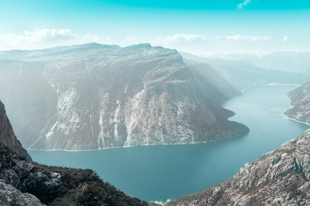 ノルウェーのフィヨルドの上面図