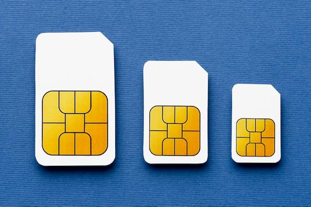 3つの異なるサイズのsimカードの上面図