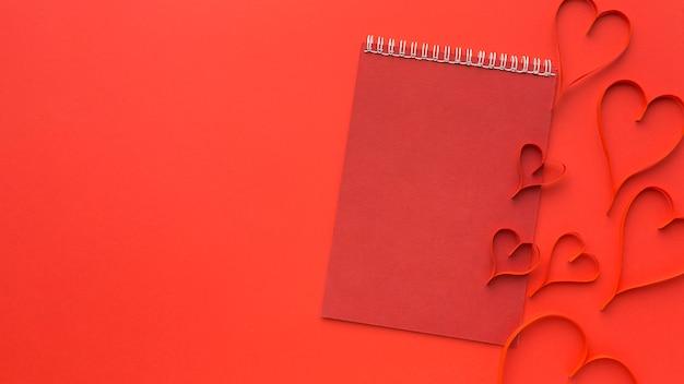 Вид сверху концепции дня святого валентина с копией пространства