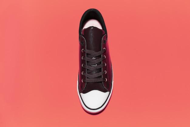 빈티지 운동화 신발의 상위 뷰