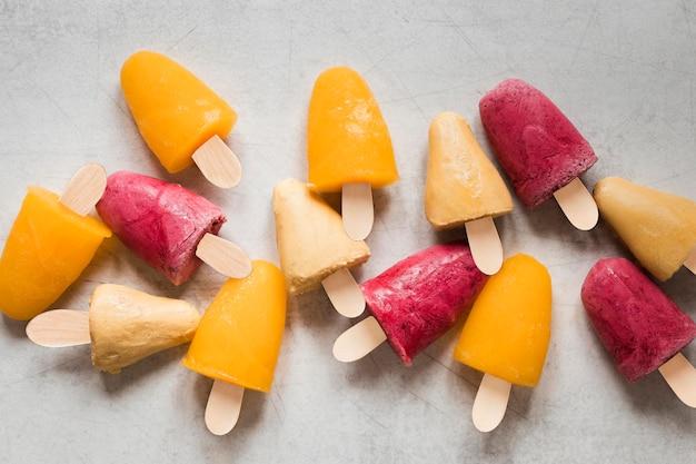 おいしいフルーティーなアイスキャンディーの上面図