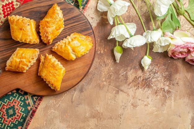 맛있는 너트 파이 달콤한 케이크의 상위 뷰