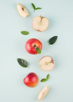 テーブルの上のトップビュー有機リンゴ