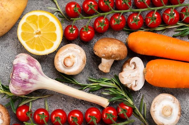 Vista dall'alto di alimenti biologici