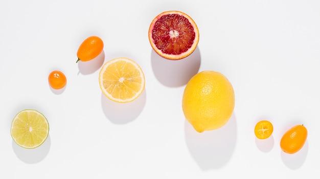 トップビューオーガニックレモンとグレープフルーツ