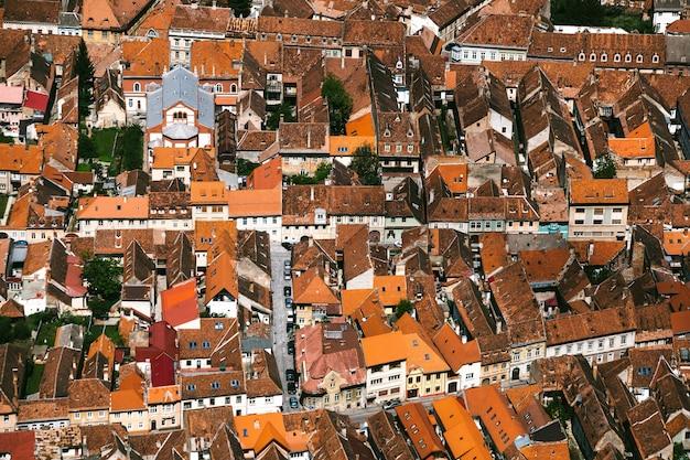 Вид сверху на город брашов, румыния