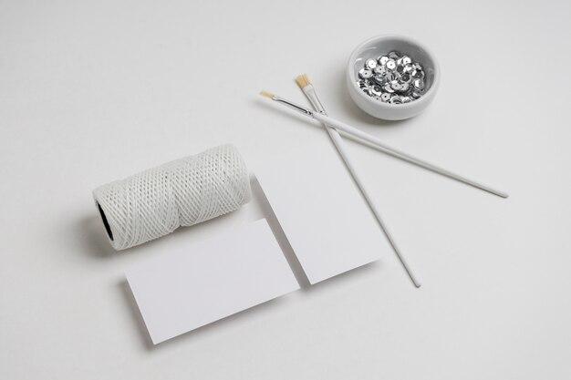 Кисти для рисования на столе
