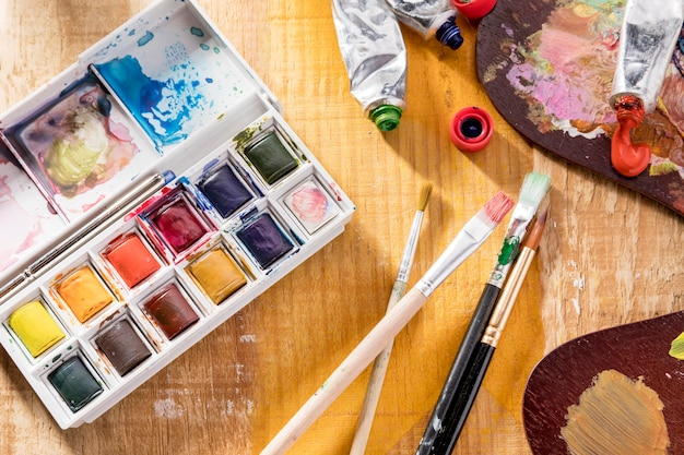 Top view of painting palette and brushes