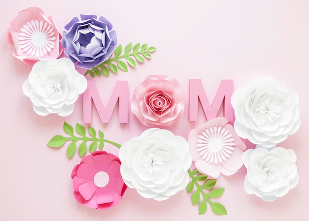 Вид сверху бумажные цветы на день матери