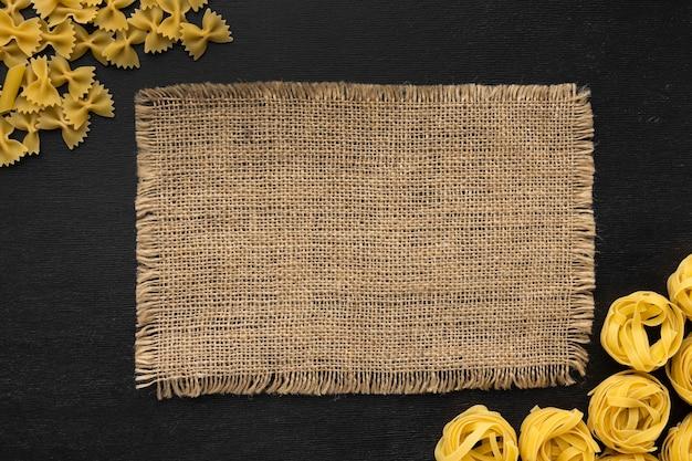 Рамка для макарон, вид сверху с тканью