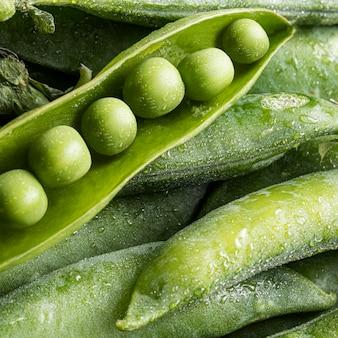 ポッドのトップビューエンドウ豆