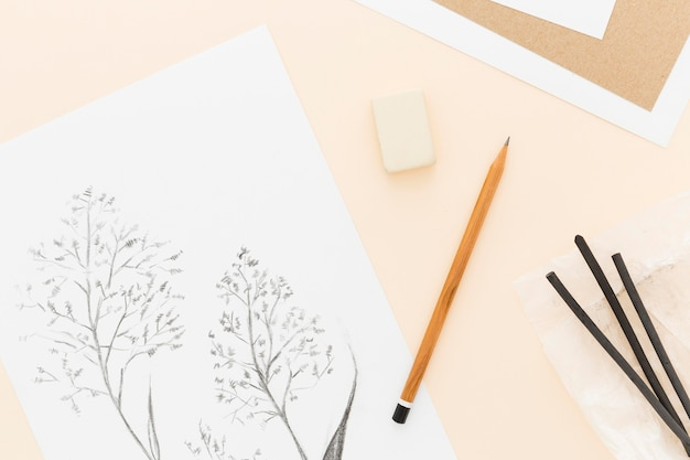 상위 뷰 연필 테이블에 그리기