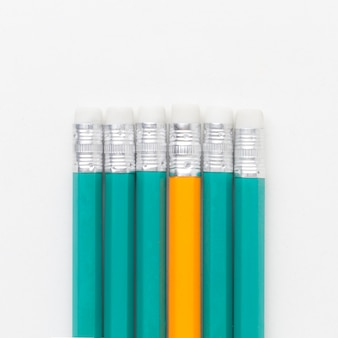 Вид сверху карандаши снизу