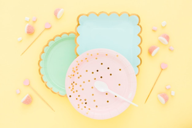 젤리와 평면도 플라스틱 접시