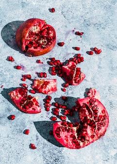Вид сверху плоды граната