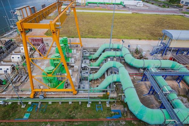 가스 플랜트 압력 안전 밸브 선택에서 파이프라인 물 및 가스 밸브를 위한 상위 뷰 발전소 장비.