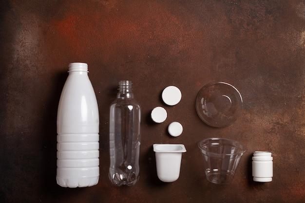 Коллекция перерабатываемого пластика, вид сверху