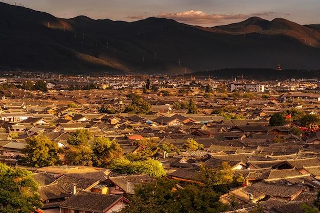 고대 lijiang 구시 가지의 상위 뷰 장면