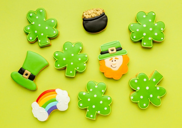Top view st patrick cookies arrangement