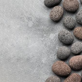Collezione di pietre vista dall'alto con spazio di copia