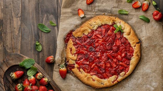 Top view strawberry pie